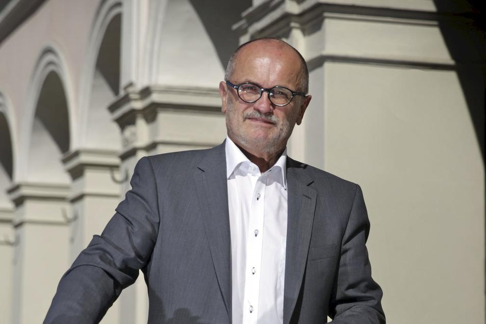 Der Kamenzer Oberbürgermeister Roland Dantz sprach mit Sächsische.de über Corona-Auflagen und Protest-Spaziergänge auf dem Markt der Lessingstadt.