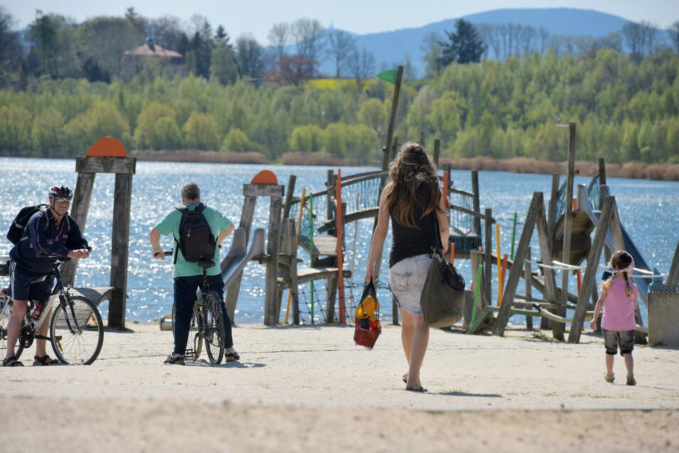 Am Olbersdorfer See herrscht bei schönem Wetter Hochbetrieb - so wie hier am Montag.