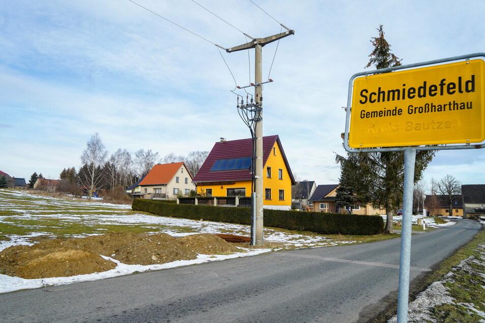 An der Rennersdorfer Straße im Großharthauer Ortsteil Schmiedefeld soll ein neues Wohngebiet für Einfamilienhäuser entstehen.