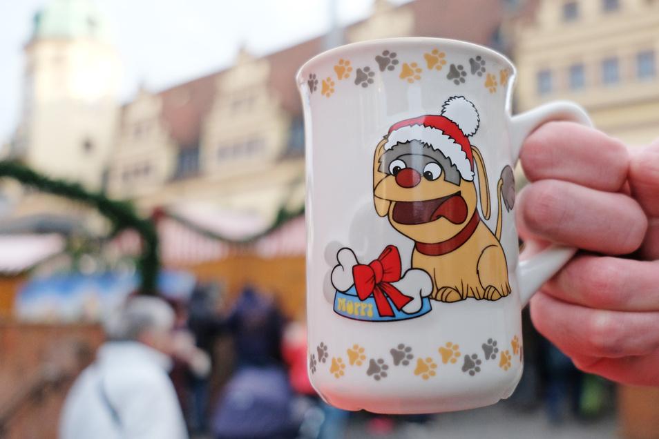 Für diese Tasse bilden sich auf dem Leipziger Weihnachtsmarkt lange Schlangen.