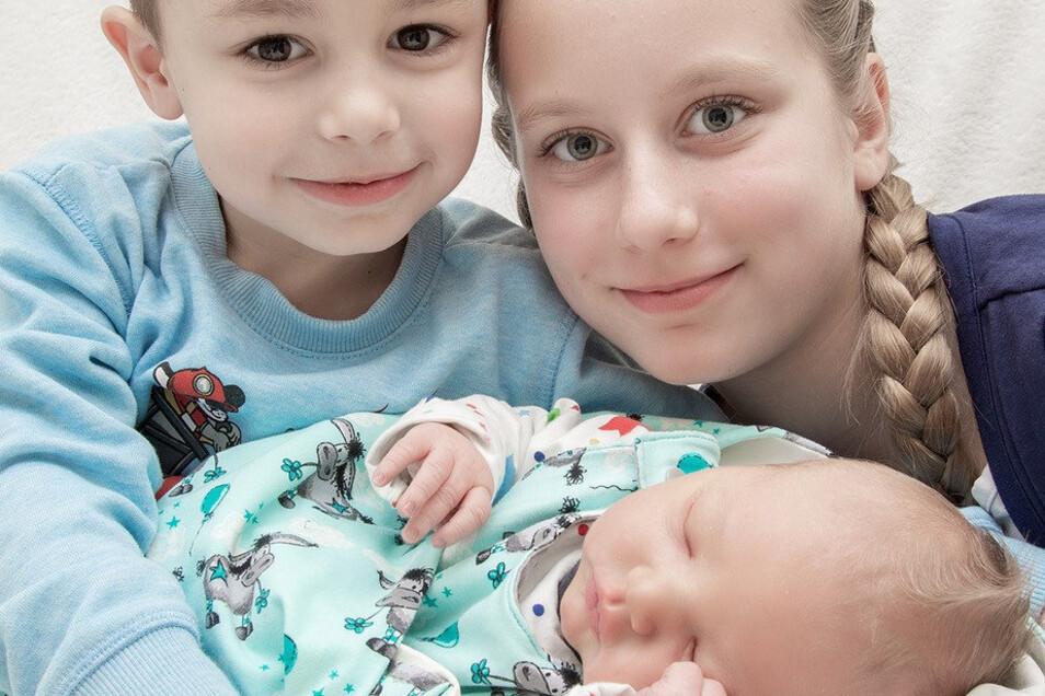 Niklas - Geboren am: 3. Februar, Geburtsort: Helios-Klinik Leisnig, Gewicht: 4.480 Gramm, Größe: 54 Zentimeter, Eltern: Beatrice Kühl und David Krumpe, Wohnort: Roßwein.