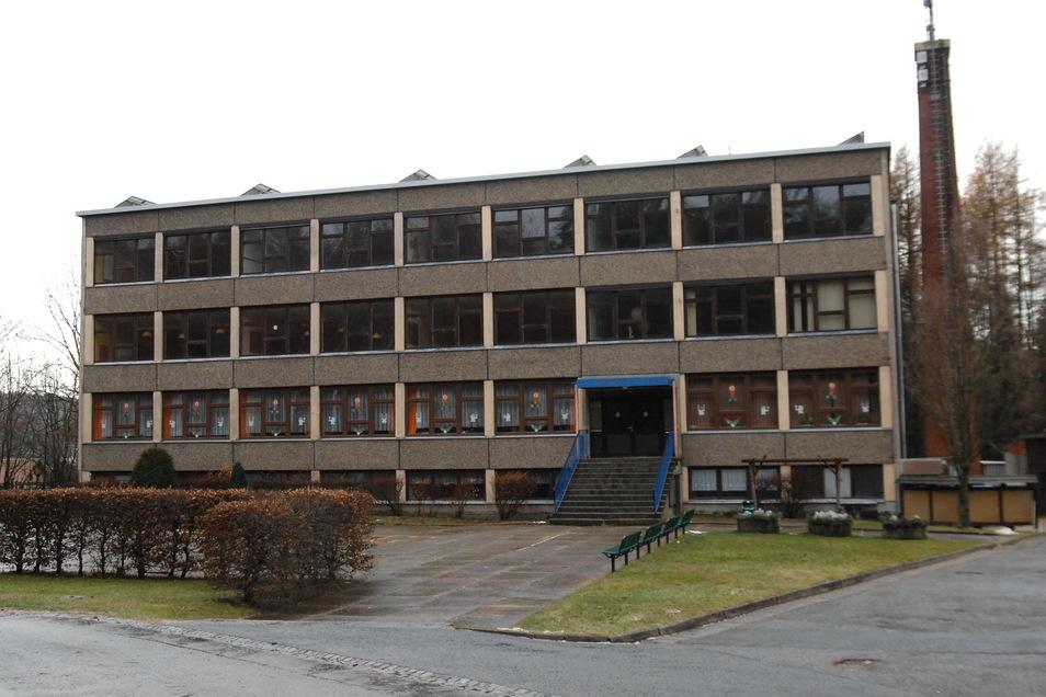 Die Grundschule Jonsdorf ist wiederholt von Einbrechern und Vandalen heimgesucht worden.