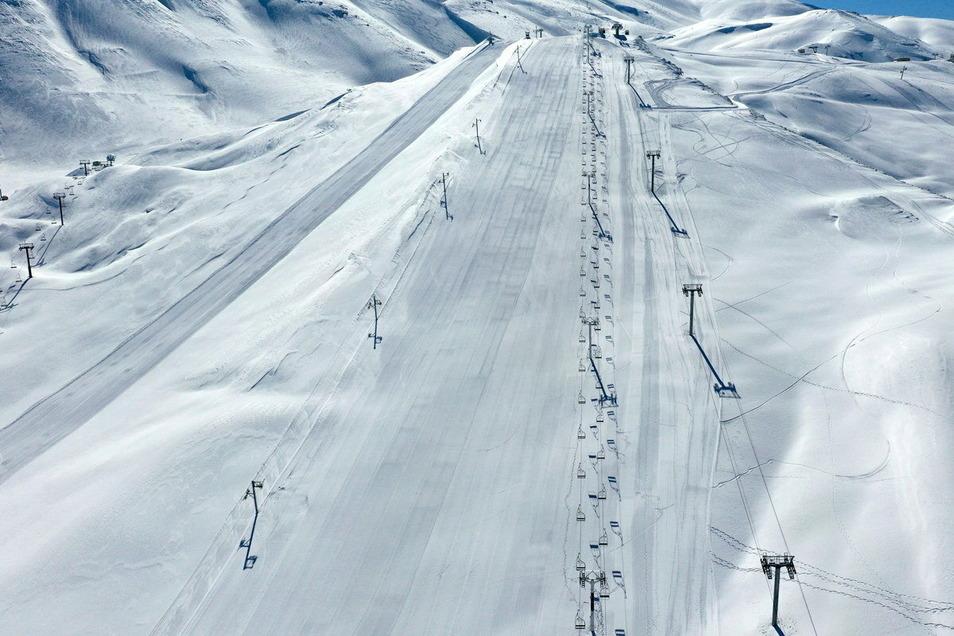 Leeren Skilifte und geschlossenen Ski-Pisten im Corona-Winter.