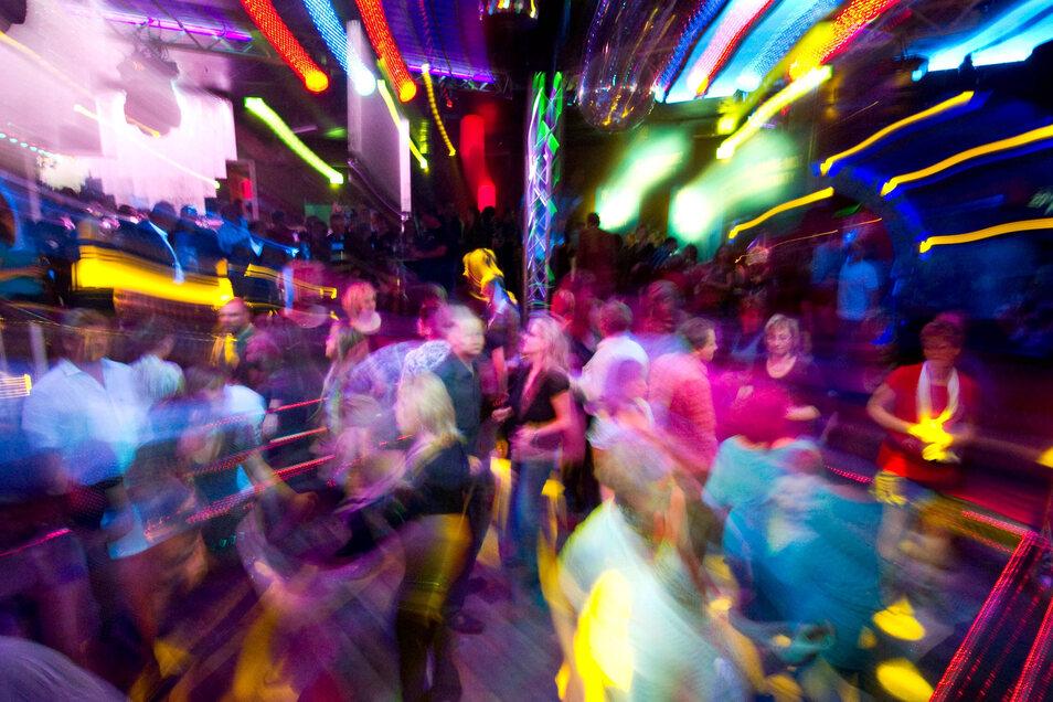 Spaßbremse Corona: Dicht an dicht in Clubs tanzen, ist derzeit nicht drin. Gerade Discos und Bars gelten als Virenhorte.