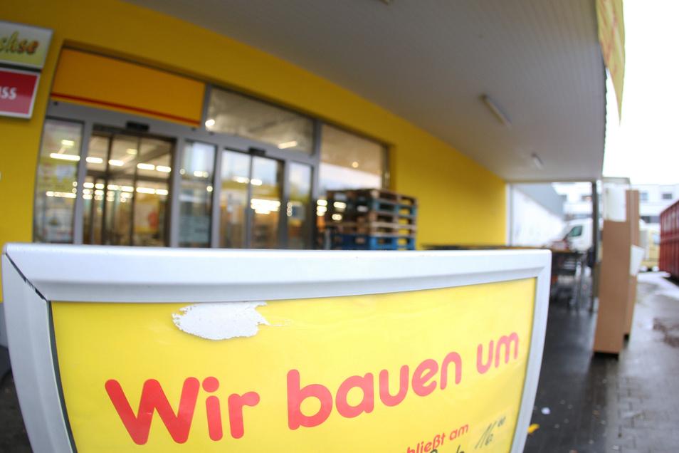 Im Netto-Logistikzentrum in Thiendorf an der A 13 soll demnächst umgebaut werden.