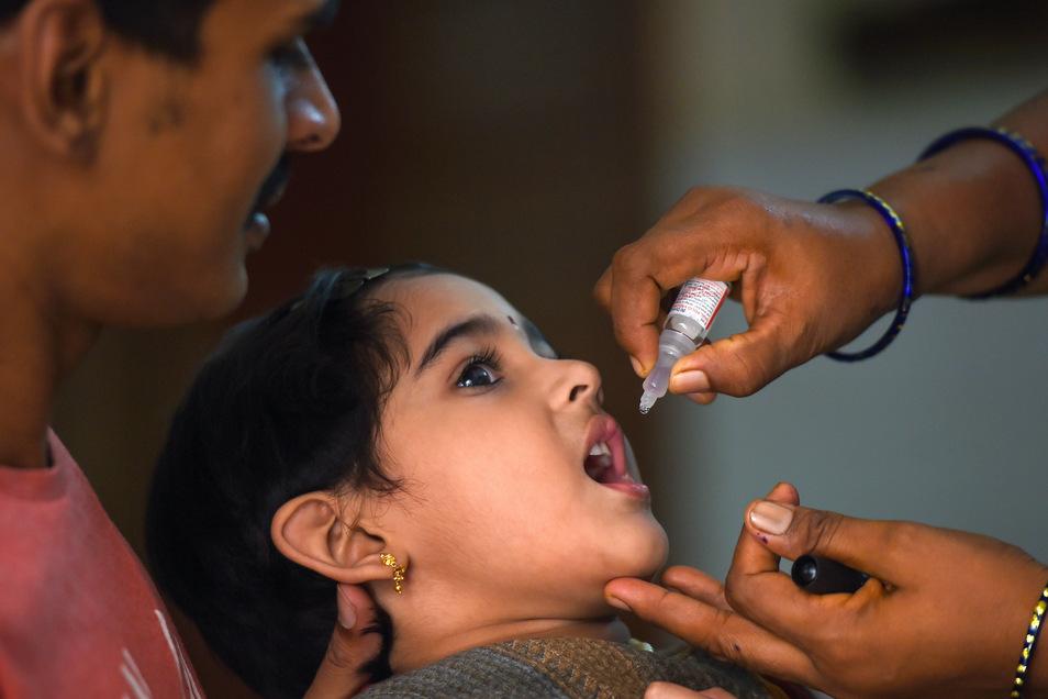 Könnte eine Polioimpfung, wie hier im indischen Chennai, auch vor Viren wie Covid-19 schützen?