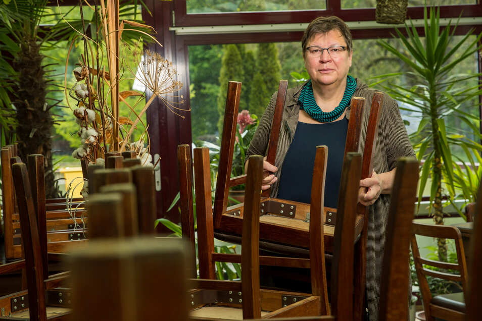 Barbara Motz betreibt die Brückenschänke in Sebnitz. Zwei Monate lang musste sie das Restaurant wegen Corona schließen.