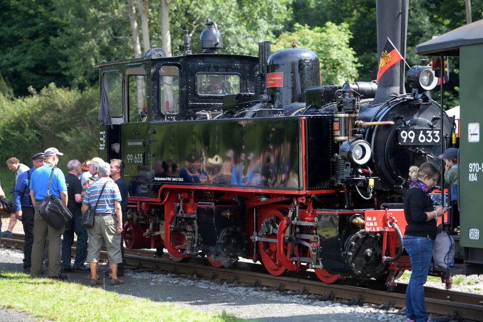 Die Württembergischen Tssd 99 633 als Gastlok war ein viel fotografierter Star.