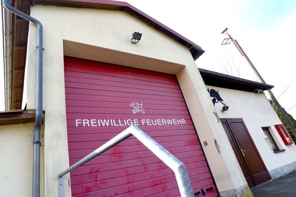 """Der Standort der Feuerwehr in Kleindehsa ist """"Unzureichend"""", die Wehr dort oft nicht einsatzbereit."""