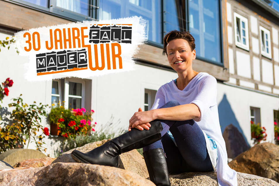 Martina Rohrmoser Mueller vor ihrem Haus in Groß Särchen