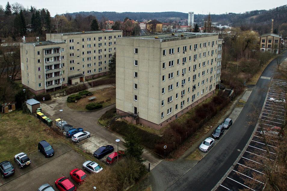 Ein Pflegezentrum und seniorengerechte Wohnungen sollen in den ehemaligen Studenten-Blöcken an der Stadtbadstraße entstehen.