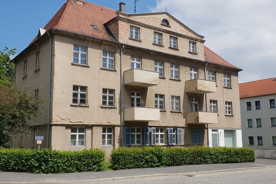 Seit einigen Jahren steht das Gebäude an der Ecke Kantstraße/Sachsenstraße leer.