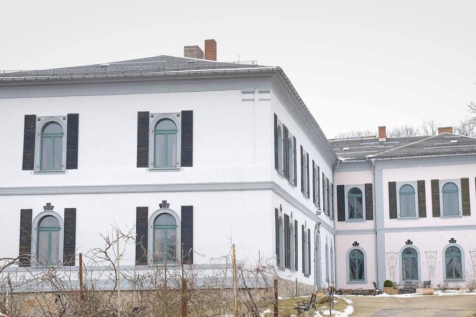 Schloss Wendischbora böte den perfekten Platz für eine Fertigung von Schutzmasken - findet der Besitzer.