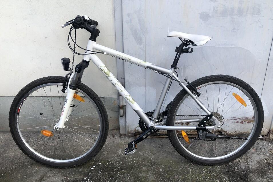 ...und dieses Mountainbike.