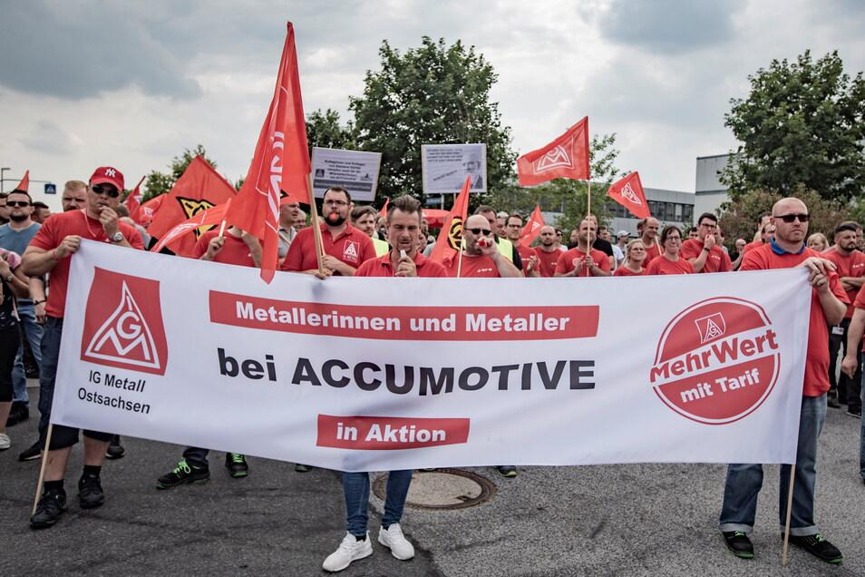 Vor zwei Jahren wurde ein neuer Tarifvertrag bei Accumotive in Kamenz vereinbart. Die IG Metall will sich nun für eine Zukunftsvereinbarung für die Beschäftigten einsetzen.