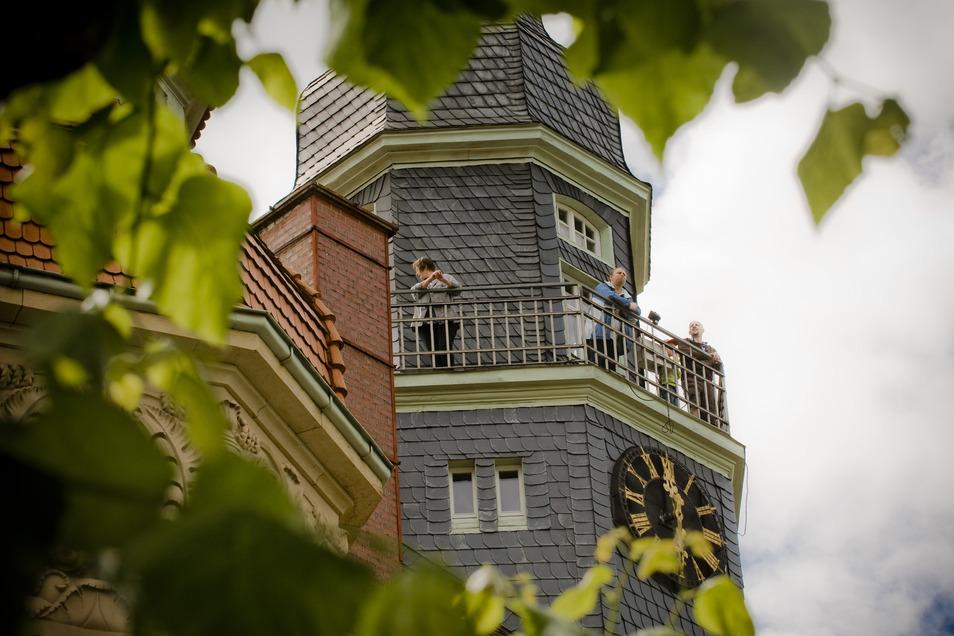 Vom Rathausturm wird sich den Besuchern des Großröhrsdorfer Stadtfestes am Wochenende ein fantastischer Blick eröffnen. Am Samstag ab 14 Uhr und Sonntag ab 10 Uhr werden geführte Turmbesichtigungen angeboten.