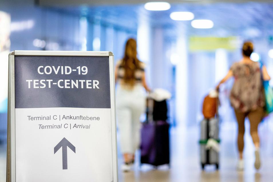 Alle Reisenden aus Risikogebieten sind seit dem 8. August zu einem Corona-Test verpflichtet.