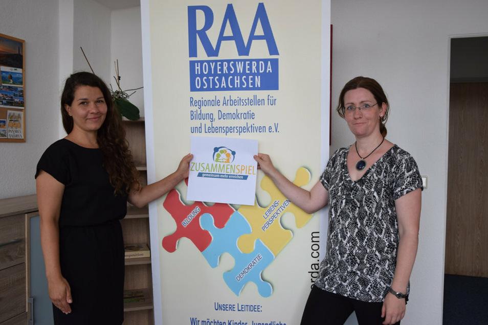 """Die RAA-Mitarbeiterinnen Christin Kusche (links) und Heike Thomasius sind verantwortlich für das Modellprojekt """"Zusammenspiel""""."""