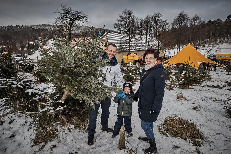 Familie  van Kolck hatte im Advent im letzten Jahr viel Spaß beim Weihnachtsbaumschlagen in Bad Gottleuba.