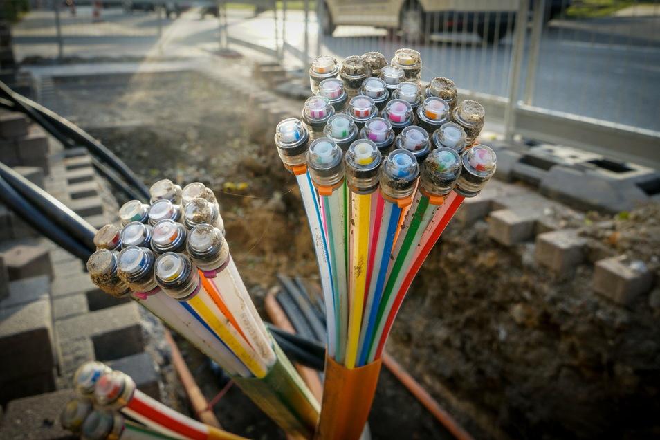 Glasfaserkabel: Die Bandbreite Reinhardtsdorf-Schöna und Kleinhennersdorf steigt auf bis zu 250 Megabit pro Sekunde.
