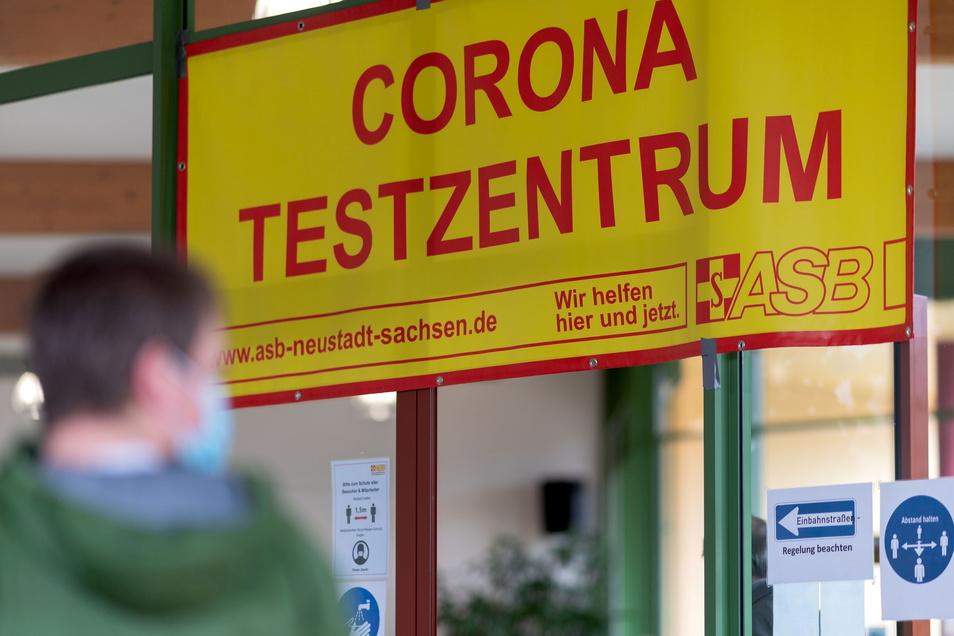 Im Corona-Testzentrum des ASB in Neustadt werden die Öffnungszeiten verlängert.