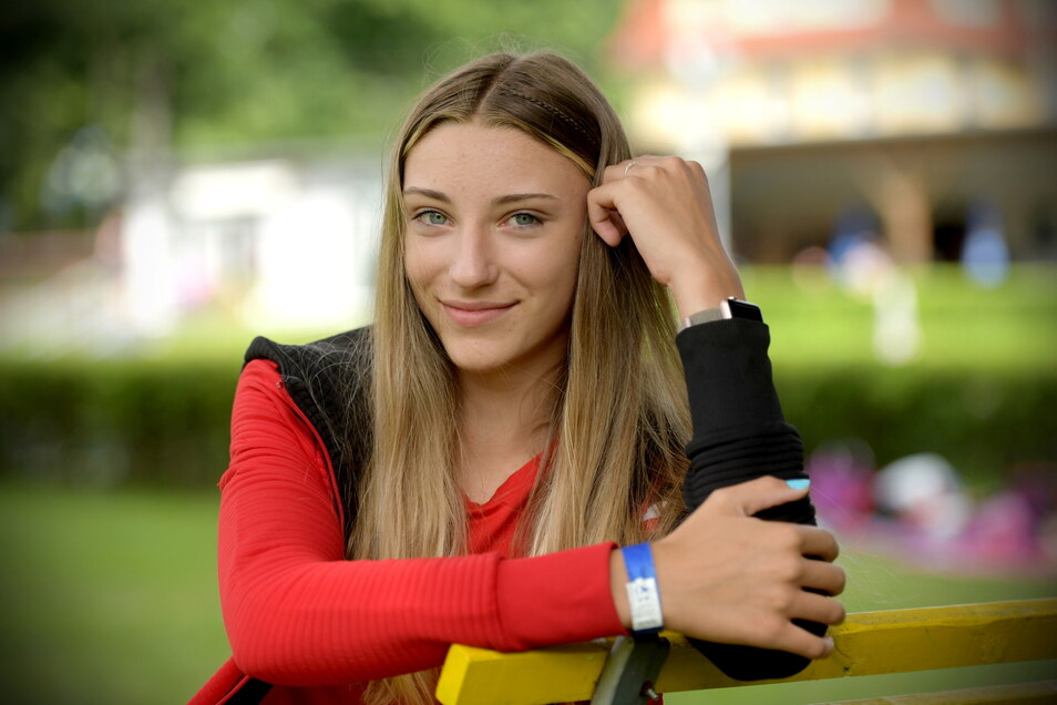 Selma Pospischil besucht seit einem Jahr die Sportschule in Dresden und wurde jetzt mitteldeutsche Meisterin im Hochsprung.