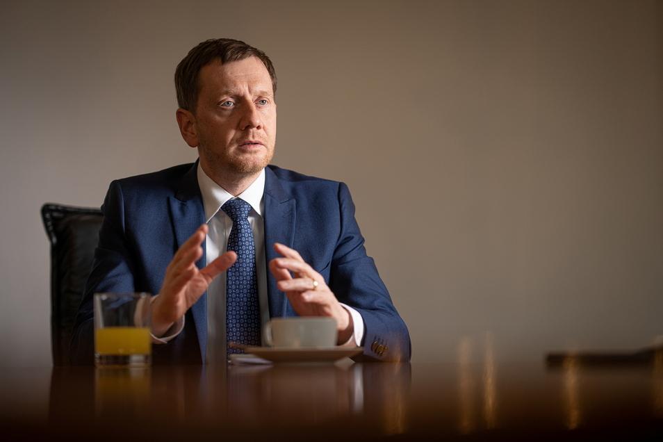 Sachsens CDU-Chef und Ministerpräsident Michael Kretschmer fordert seine Partei zum Kurswechsel auf: Mehr Basisarbeit und mehr Demut vor dem Bürgerwillen.
