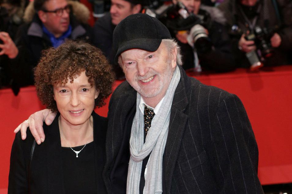 """Michael Gwisdek kommt im Jahr 2014 mit Ehefrau Gabriela zur Premiere des Eröffnungs-Films """"The Grand Budapest Hotel"""" im Berlinale Palast bei den 64. Internationalen Filmfestspielen in Berlin."""