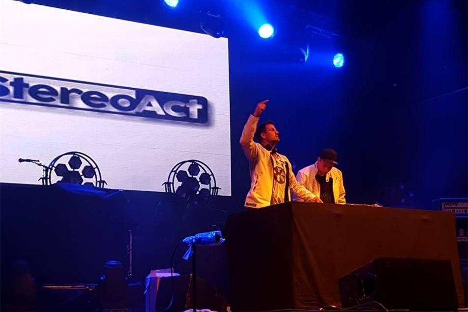 Doppelte DJ-Power  Zum ersten Mal ist auch das Duo Stereoact nicht in der Oberlausitz. Zum Tag der Sachsen standen sie in Löbau auf der Bühne. Am 29. September legen sie zur Sunshine-Live-Party auf.
