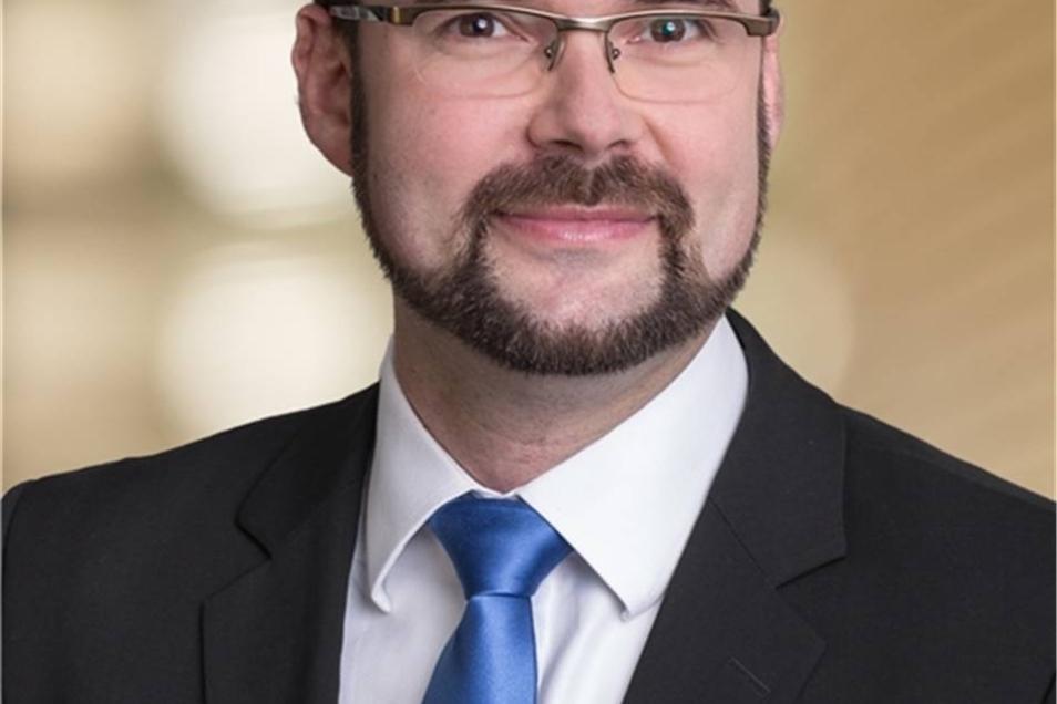 Christian Piwarz  Der 42 Jahre alte Jurist kommt aus Dresden und sitzt seit 2006 im Landtag, seit 2009 ist er Parlamentarischer Geschäftsführer.