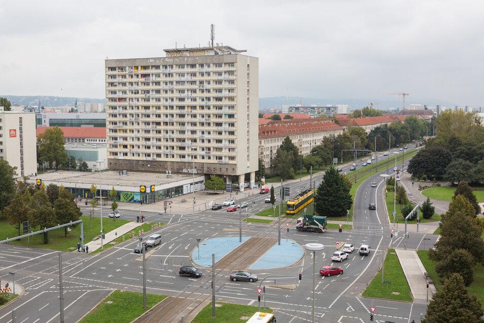 Das Hochhaus am Pirnaischen Platz verfällt.