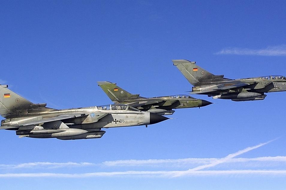 Tornados der Bundewehr bei einem Aufklärungsflug.