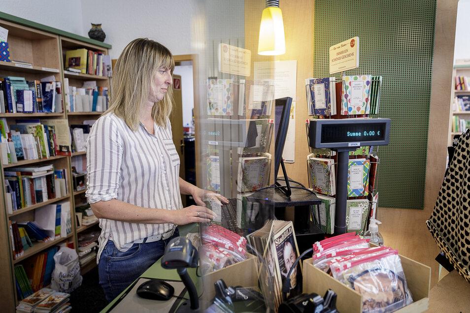 Anja Sorkalle ist Chefin der Comenius-Buchhandlung in Görlitz. Sie sieht die Steuersenkung gelassen.