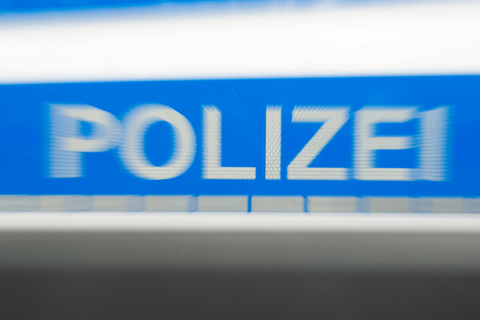 Die Polizei sucht Zeugen zu einem Blechschaden in Bad Schandau.
