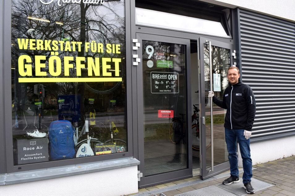 André Simon vom Bikepoint Wiesner in Hoyerswerda hatte registriert, dass am vergangenen Wochenende ungewöhnlich viele Verkäufe getätigt werden konnten. Er vermutet, dass die Kunden die gewähnt letzte Chance auf lange Zeit wahrnehmen wollten.