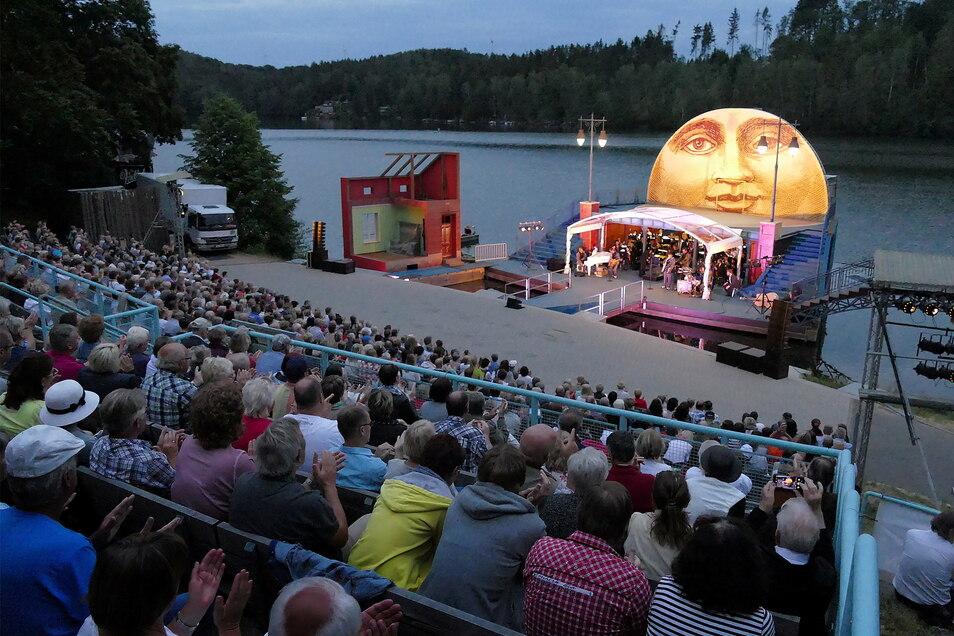 Auf der malerischen Seebühne Kriebstein geht offiziell zu Pfingsten die Saison los. Foto: Dietmar Thomas