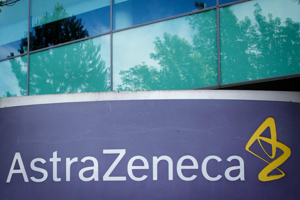 Den Impfstoff hatte der britisch-schwedische Konzern AstraZeneca in Zusammenarbeit mit der Universität Oxford entwickelt.