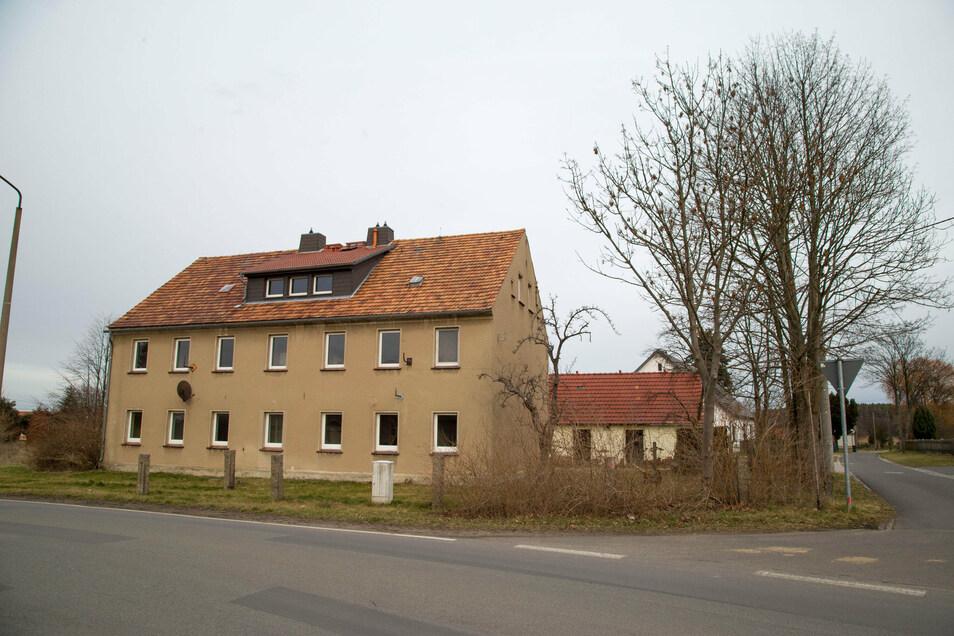 Besserung in Aussicht: Das leerstehende Gebäude am Reiterweg in Horka wird von der Nieskyer Wohnungsbaugenossenschaft saniert.