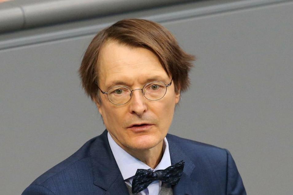Der SPD-Gesundheitsexperte Karl Lauterbach fürchtet eine zweite Welle an Virus-Infektionen.