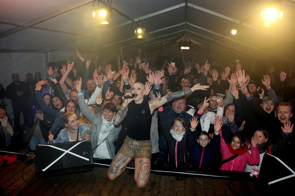 Melanie Müller war am Freitagabend der Stargast beim Oktoberfest in Rothenburg.