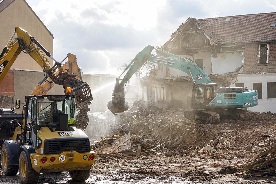 Im Frühjahr 2020 wurde ein ehemaliges Druckhaus an der Bautzener Töpferstraße abgerissen. Es ist eins von 31 Kulturdenkmalen im Kreis, die in den letzten Jahren ganz oder teilweise verschwanden.