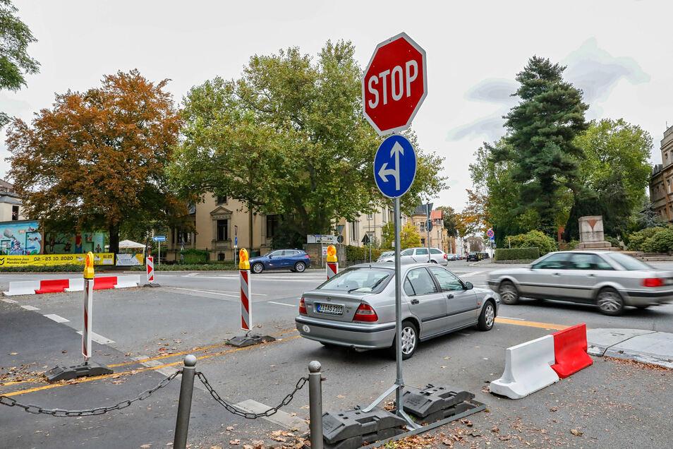 Eng geht es seit drei Monaten auf der Kreuzung Stadtring/Frauen-/Rosa-Luxemburg-Straße in Zittau zu. Seit dem läuft ein Verkehrsversuch.
