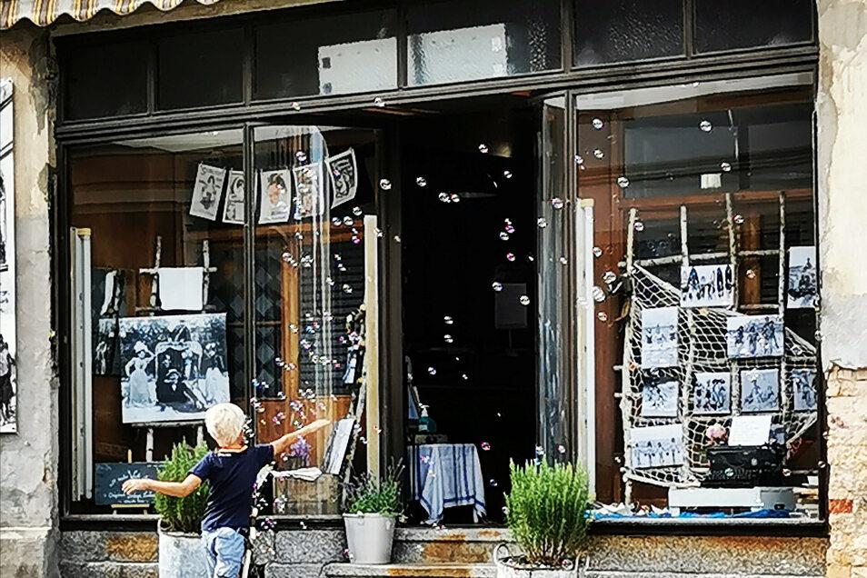 Der Vintage-Seifenladen an der Bautzner Straße 13 ist noch bis Donnerstag dieser Woche täglich von 13-16 Uhr geöffnet.