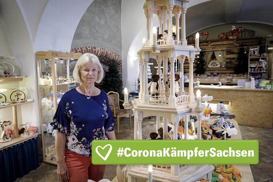 Beate Freudenberg ist Chefin vom Görlitzer Weihnachtshaus. Sie hofft, dass bald wieder mehr Touristen in die Stadt kommen und auch das Geschäft in der Fleischerstraße besuchen.