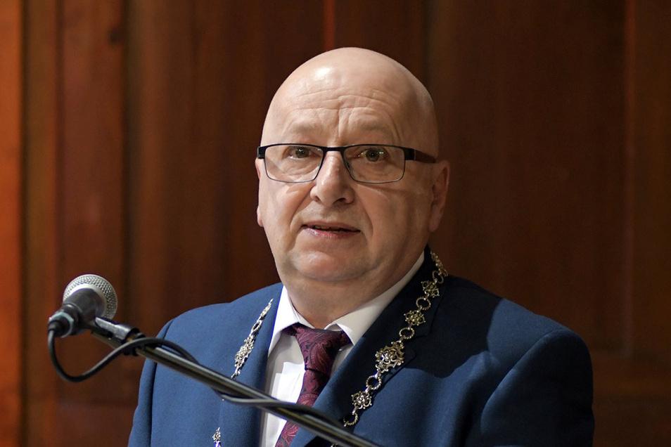 """""""Der 1. April als Termin für die Eröffnung der Kita steht"""" – Bürgermeister Steffen Ernst."""