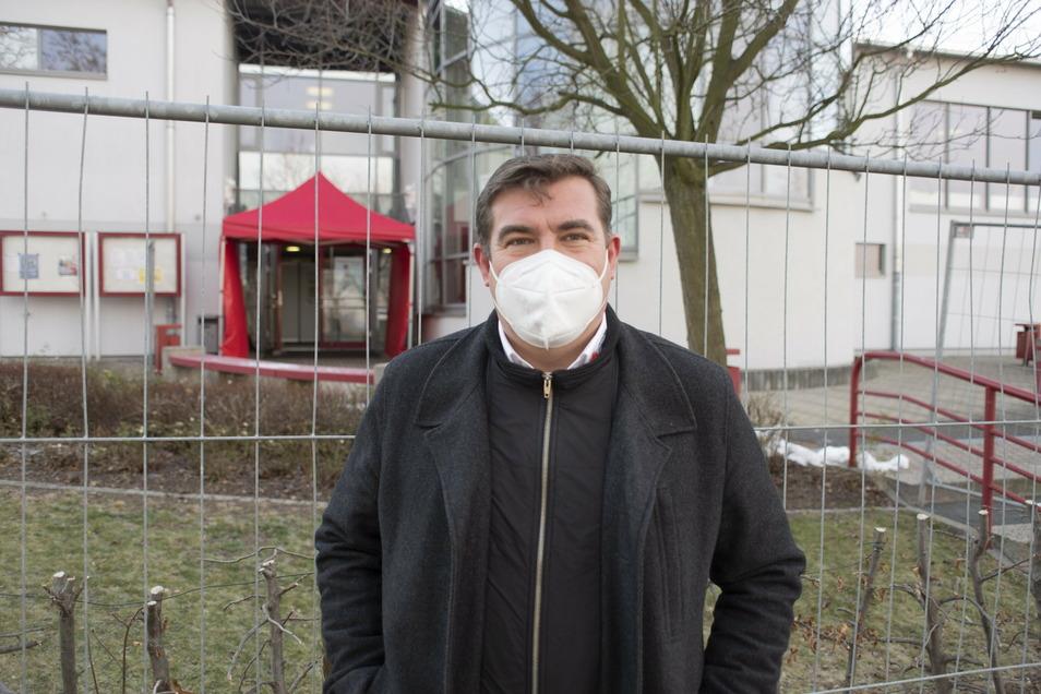 Peter Mark ist Geschäftsführer des DRK im Kreis Bautzen und froh, dass der Start im Impfzentrum des Landkreises gut gut über die Bühnen gegangen ist. Das DRK hat die organisatorische Leitung.