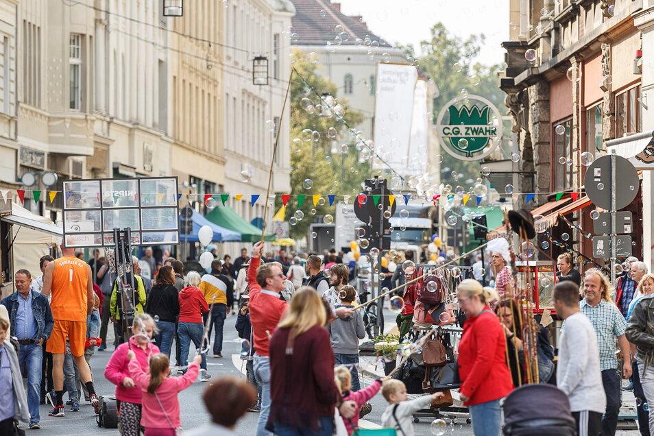 """Das Straßenfest """"Deine Jakobstraße feiert!"""" lief 2018 autofrei ab."""