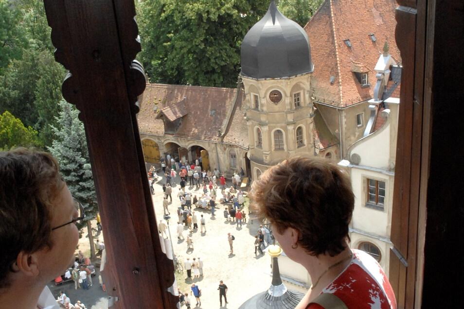 Blick aufs alte Schloss Schönfeld vom Aussichtsturm aus.