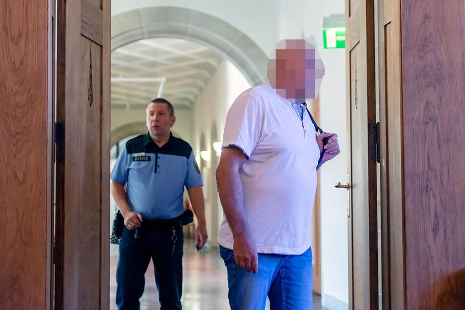 Wolfgang R. aus Bautzen musste sich am Dienstag  vor Gericht verantworten. Er ist dort kein Unbekannter. Schon vor zehn Jahren wurde er unter anderem wegen einer Vergewaltigung verurteilt.