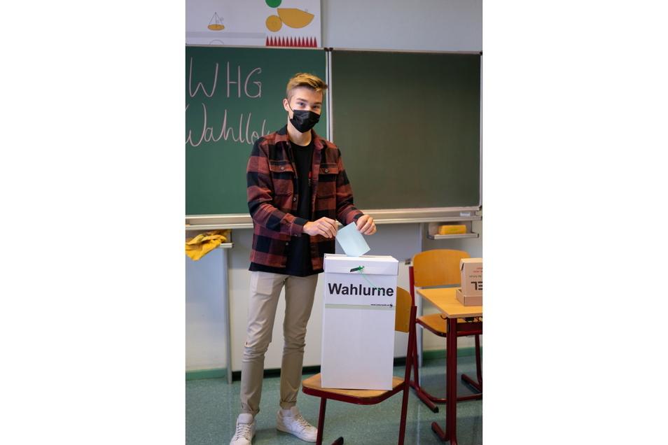 Wahllokal im Klassenzimmer: An 23 Schulen im Landkreis Meißen simulierten die Schüler die Bundestagswahl - hier am Werner-Heisenberg-Gymnasium.